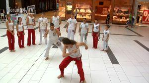 capoeira pokaz